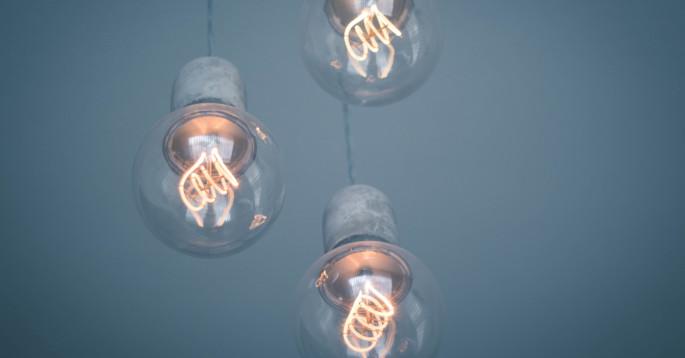 Tre LED-lys som lyser